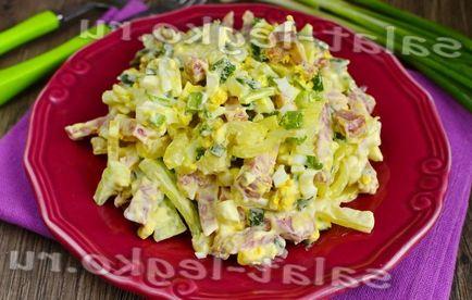 Салат з копченої ковбаси і солоних огірків - кращі рецепти до свята 2017