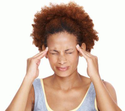 Чому болить голова в області скронь