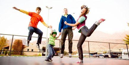 Стрибки на батуті гри для всієї родини і вправи для новачків
