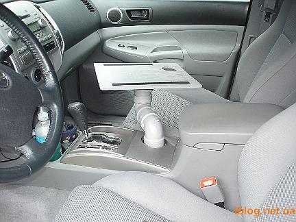 Ноутбук в машині - саморобна підставка для ноутбука в автомобілі, зручні штучки