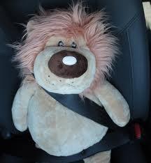 على سلامة الأطفال في السيارة
