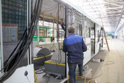 Як збирають тролейбуси, блог олександр ребрушев, конт