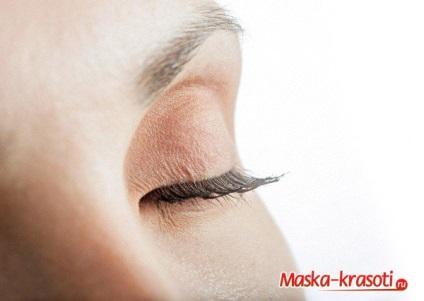 Догляд за шкірою повік маски і трав'яні настої