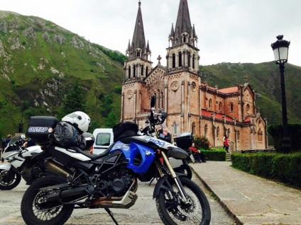 Подорож на мотоциклі що потрібно знати, збираючись у дорогу