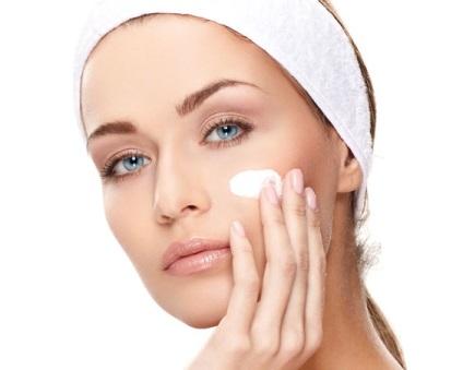 Правила догляду за шкірою обличчя вранці, вдень і ввечері
