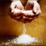 Зняття порчі через сіль з людини