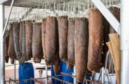 Як роблять - mojama - або балик з тунця - фото-блог подорожей по іспанії - наша іспанія