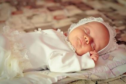 Jak prawidłowo karmić noworodka mlekiem matki, aby dziecko dobrze przybierało na wadze
