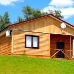 Alegeti ferestre pentru casa din cherestea laminata