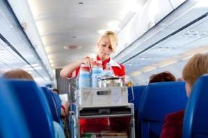 Jak nie zredukować stewardessy z umysłu lub 10 zasad dobrego zachowania w samolocie