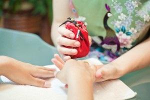 Jak wykonać japoński manicure masuralny (masura) i technikę wykonania