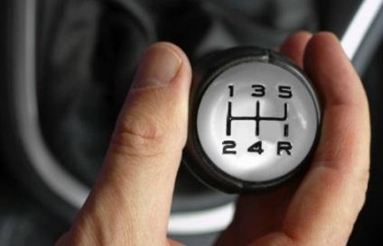 Hogyan sebességváltás a mechanika tippeket, videó