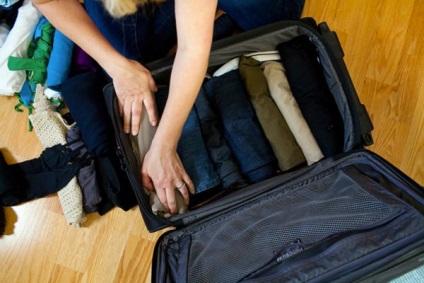 Hogyan kell összeállítani a táskát az útra a gépen, a vonaton vagy a táborban, mit kell hozni