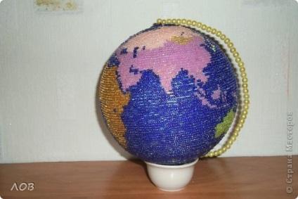Поделка глобус из макарон 11