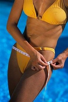 30 nap alatt leszívja a makacs hájat a hasról ez az 1 perces gyakorlat