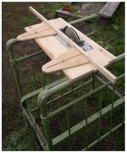 Как сделать распиловочный стол из ручной циркулярной пилы своими руками 90