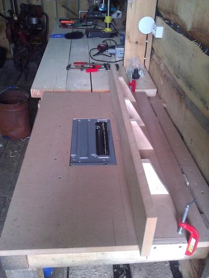 Как сделать распиловочный стол из ручной циркулярной пилы своими руками 91
