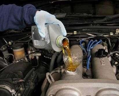 Навіщо потрібно промивальне масло для двигуна