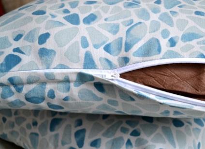 Диванная подушка на молнии