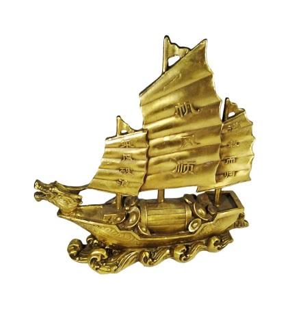 Корабль в подарок символизирует 19