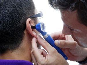 Hogyan lehet visszaállítani hallás után középfülgyulladás, hogy tegye