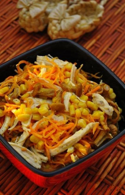 Салат с корейской морковью огурцом кукурузой