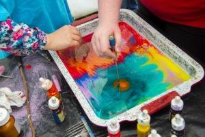 Рисовать по воде красками в домашних условиях 134