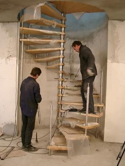 Лестница из профильной трубы своими руками 59