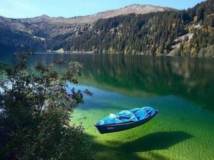 Найчистіше озеро на землі, в яке ні в якому разі не можна занурюватися