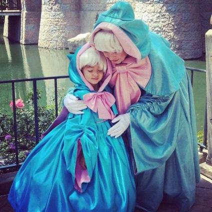 Papa tervező varr jelmezek lányaikat Disney hercegnők, és lenyűgöző, umkra