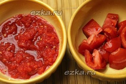 Щи из капусты с курицей помидорами