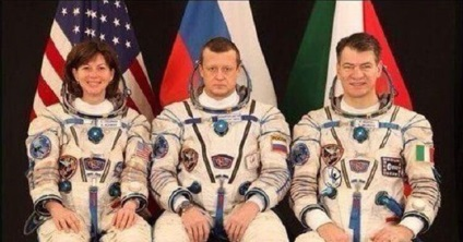 Miért nem mosolyog a magyar élet a lámpa alatt!
