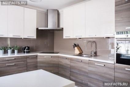Який фартух для кухні краще вибрати пластик або скло