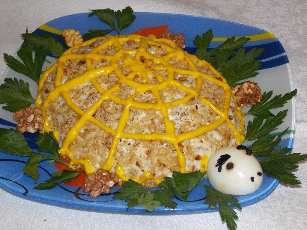 """Különböző receptek saláta """"teknős"""""""