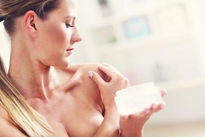 Hogyan törődik a mell bőre kozmetikus tanácsát, aki mit hol
