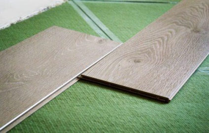 Podele de conifere sub plusurile și minusurile laminatelor, recenzii