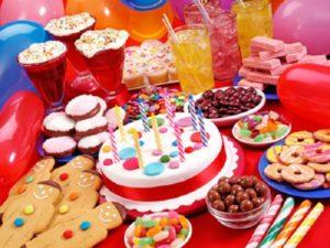 Cum de a decora o masă pentru ziua de naștere a unui copil
