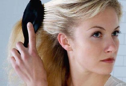 Cure pentru caderea parului - medicamente balsam, spray, unguent, loțiune împotriva căderii părului