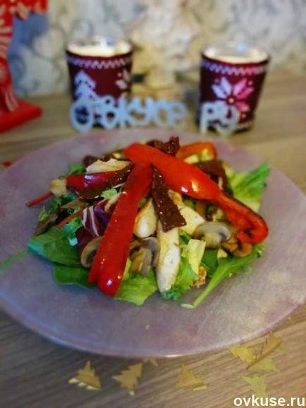 Salata cu stropi de pui și roșii uscate de vară - rețete simple,