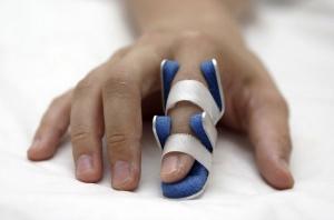 Dislocarea comun a degetului, ceea ce prim ajutor este necesar atunci când dislocat degetul
