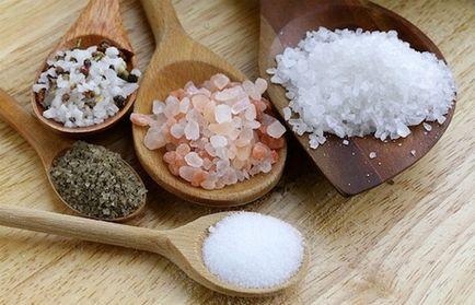 De ce sare este împrăștiate pe podea și pe masă și ce să fac despre el